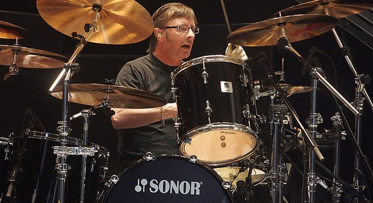 Phil Rudd Nationality Net Worth Family Height Weight Age